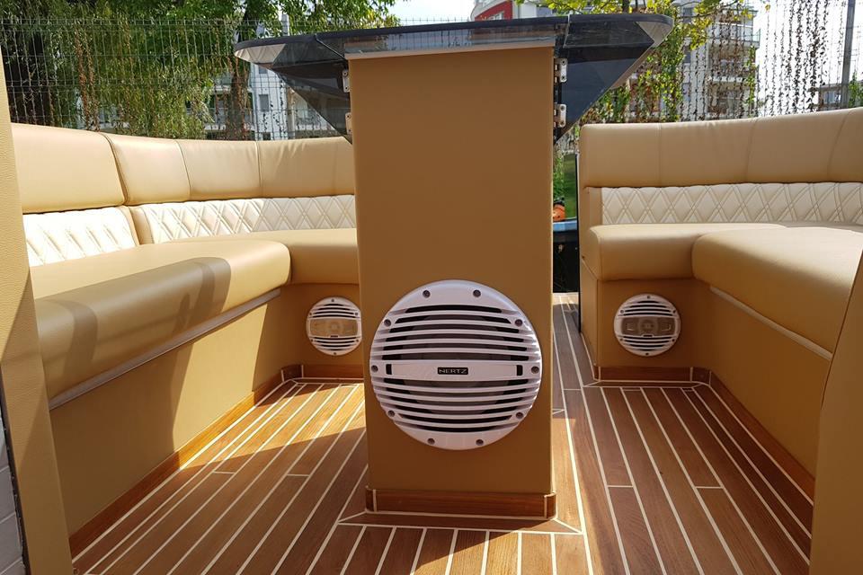 Hajó, Yacht bútor kárpitozás