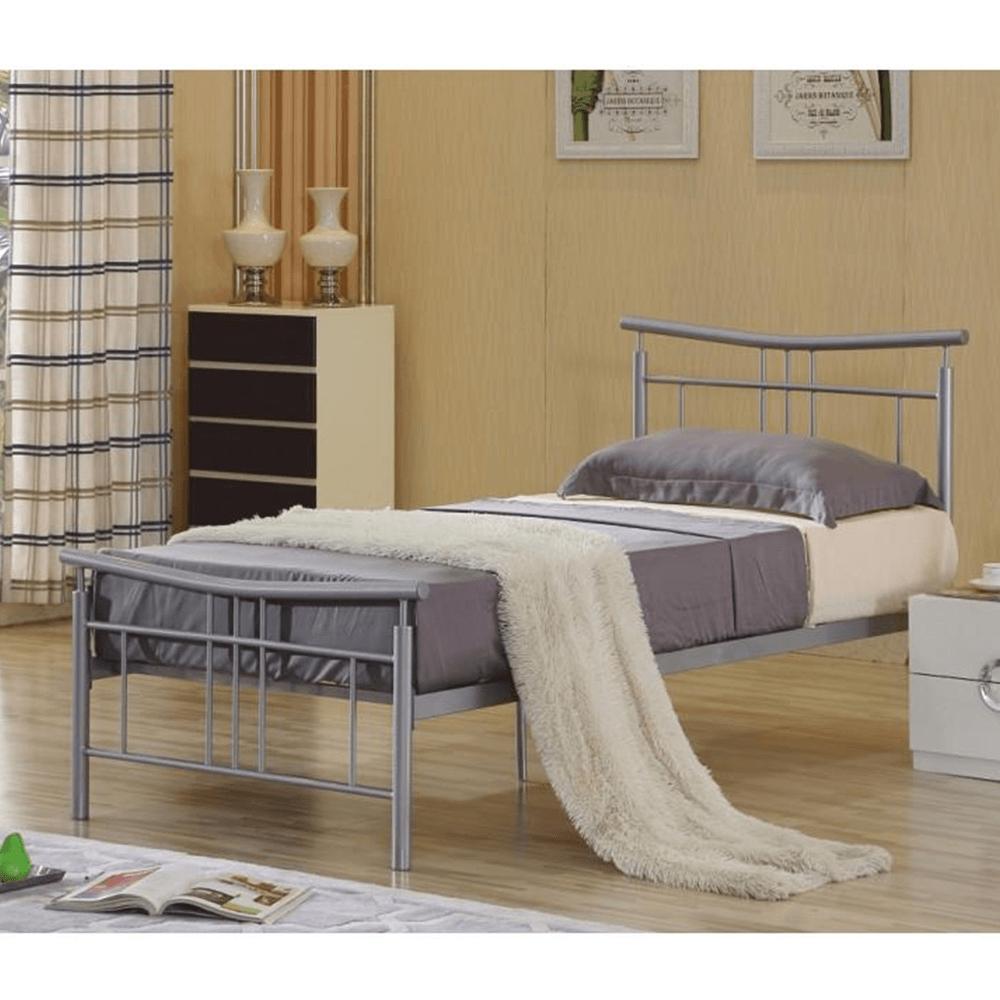 ágy ágyráccsal 143